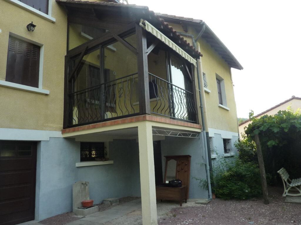 Maison à louer 5 120m2 à Montrem vignette-5