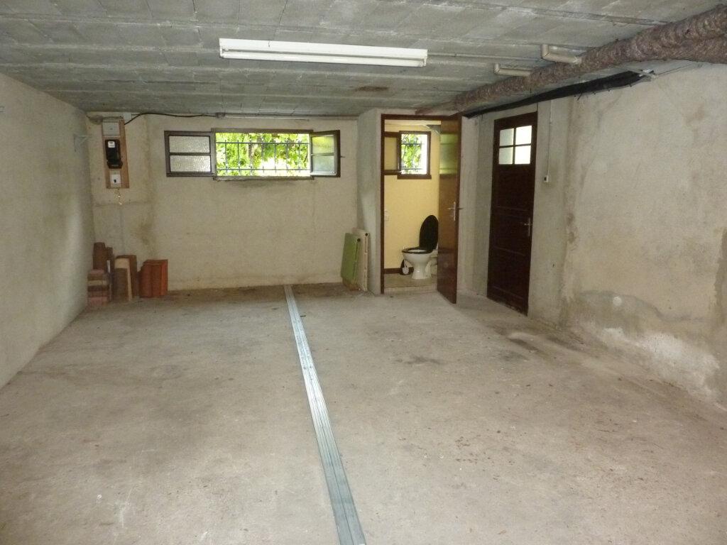 Maison à louer 5 120m2 à Montrem vignette-15