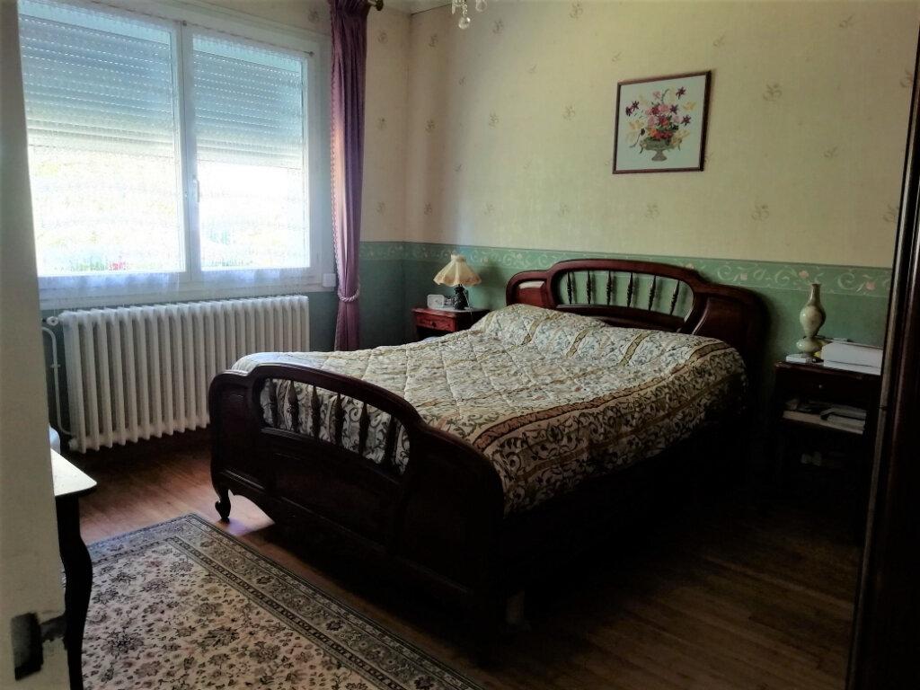 Maison à vendre 6 165m2 à Saint-Germain-du-Salembre vignette-5