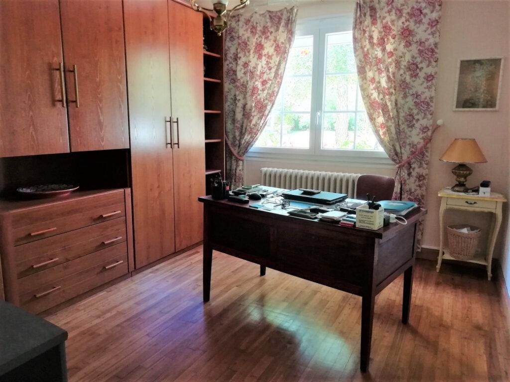 Maison à vendre 6 165m2 à Saint-Germain-du-Salembre vignette-6