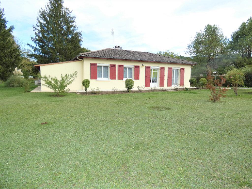 Maison à vendre 4 108m2 à Saint-Léon-sur-l'Isle vignette-1