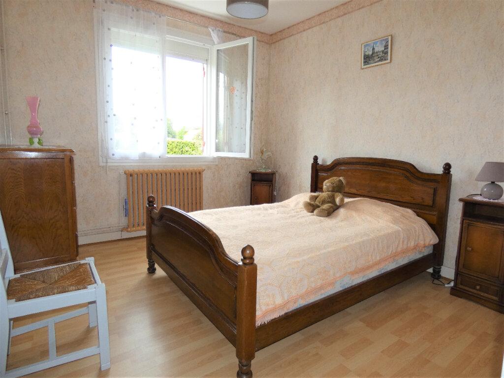 Maison à vendre 4 108m2 à Saint-Léon-sur-l'Isle vignette-4
