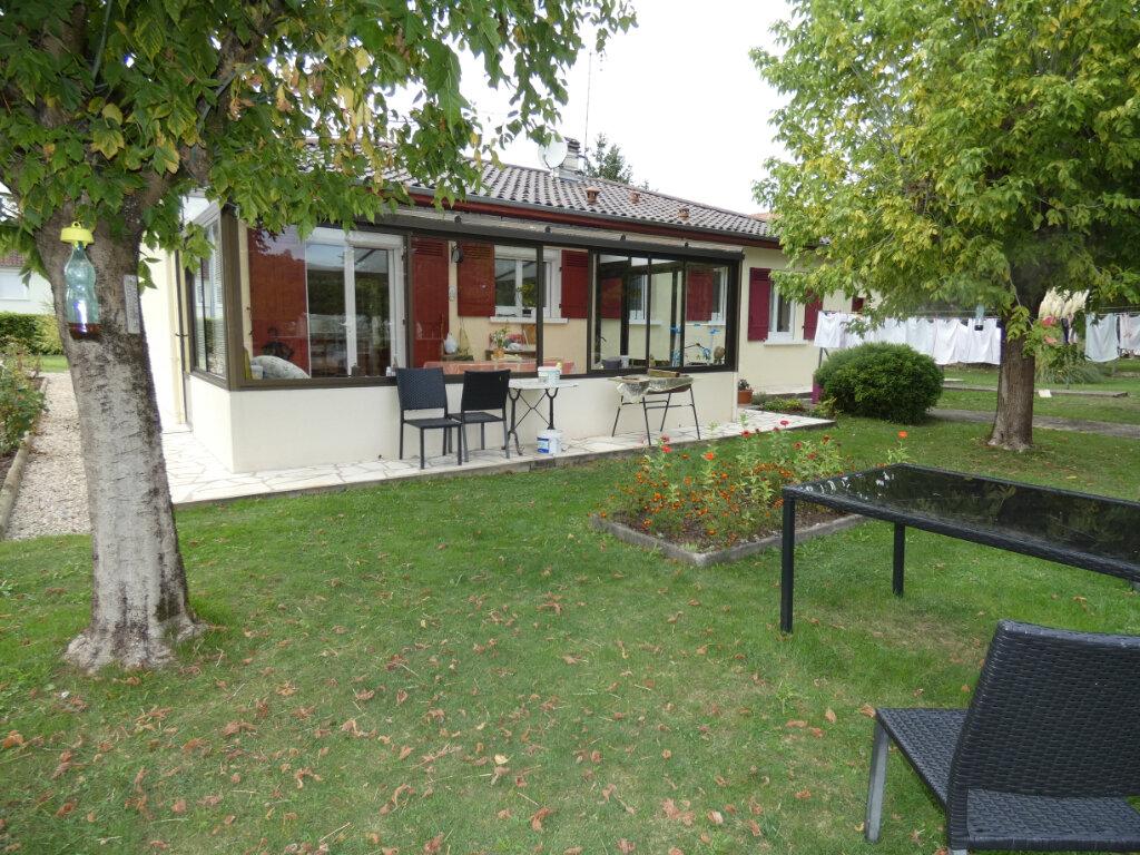 Maison à vendre 4 108m2 à Saint-Léon-sur-l'Isle vignette-10