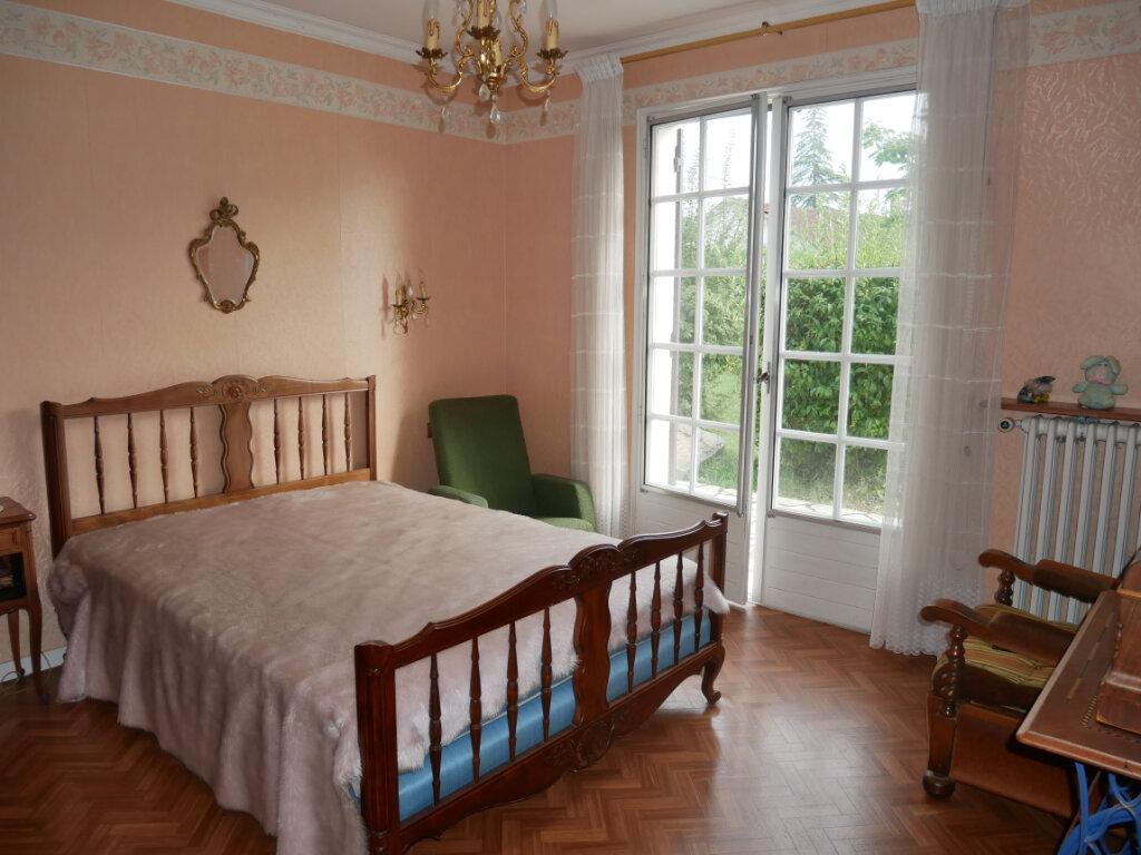 Maison à vendre 4 107.59m2 à Château-l'Évêque vignette-5