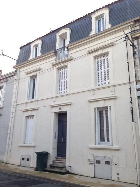 Appartement à louer 3 50m2 à Périgueux vignette-1