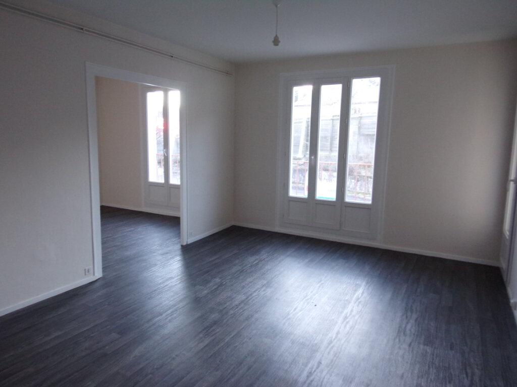 Appartement à louer 3 69.35m2 à Périgueux vignette-1
