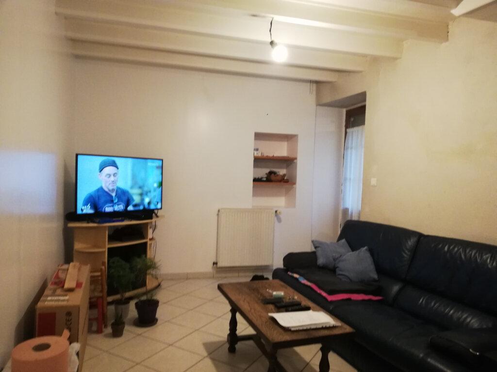 Appartement à louer 3 39m2 à Saint-Astier vignette-3