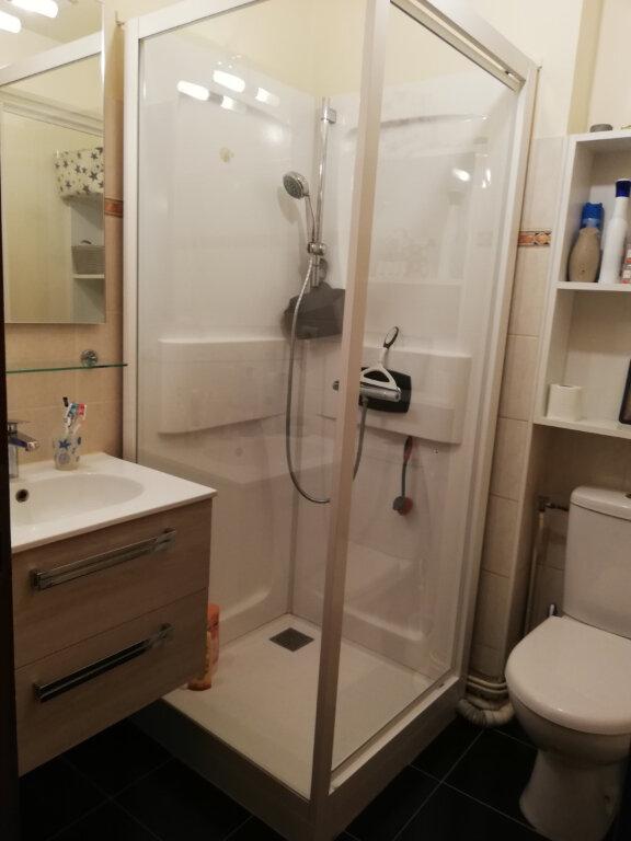 Appartement à louer 3 39m2 à Saint-Astier vignette-4