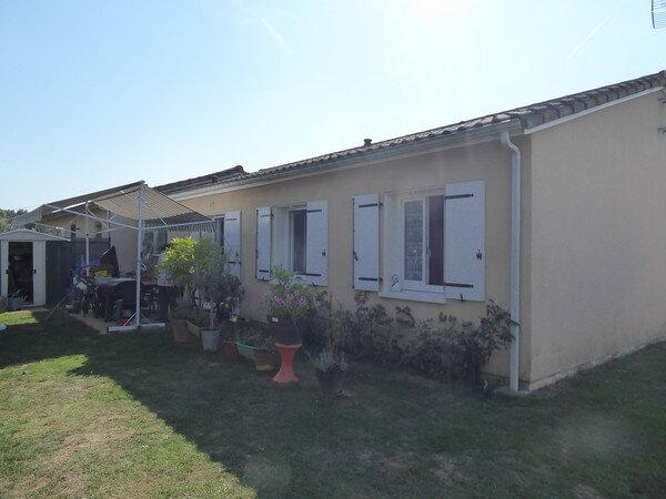 Maison à louer 4 80m2 à Neuvic vignette-1
