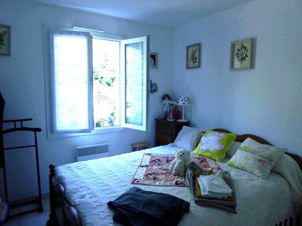 Maison à louer 4 80m2 à Neuvic vignette-3