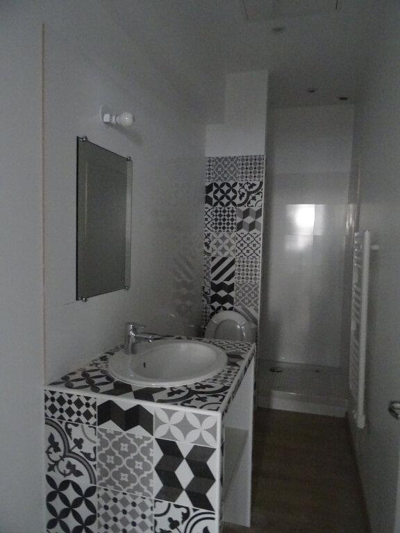Appartement à louer 1 30.76m2 à Périgueux vignette-2