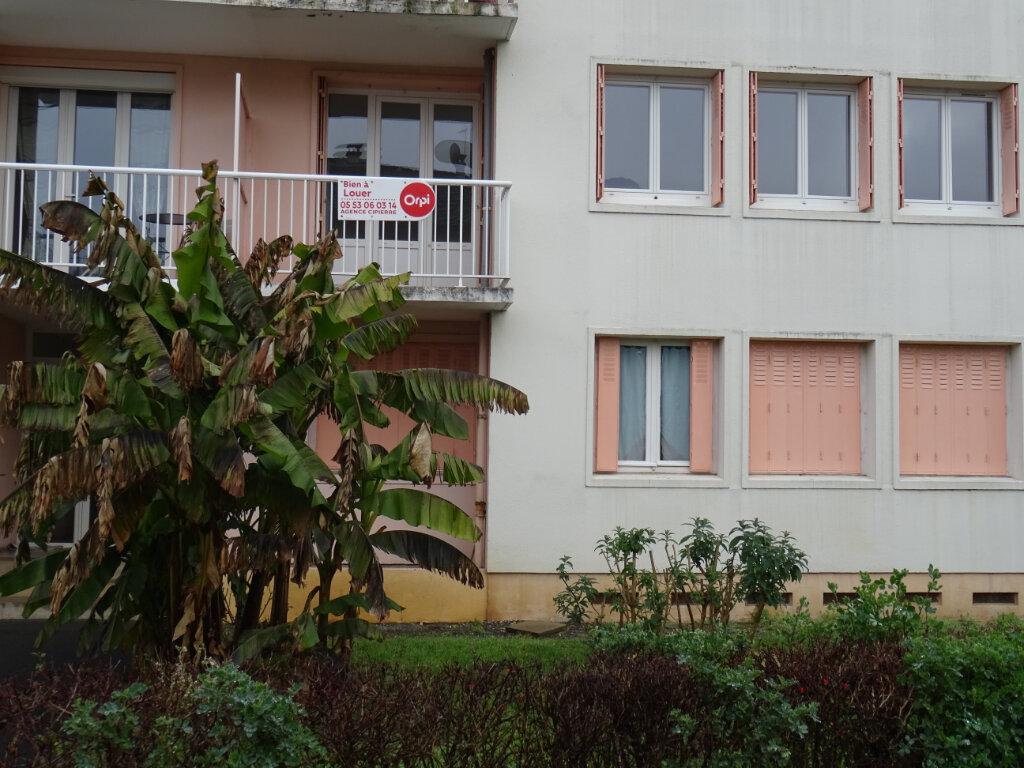Appartement à louer 3 67.67m2 à Périgueux vignette-3
