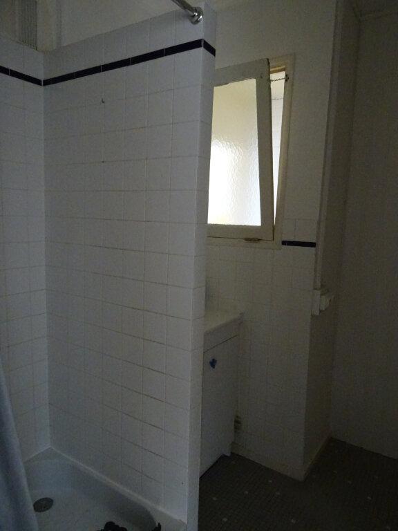 Appartement à louer 3 67.67m2 à Périgueux vignette-6
