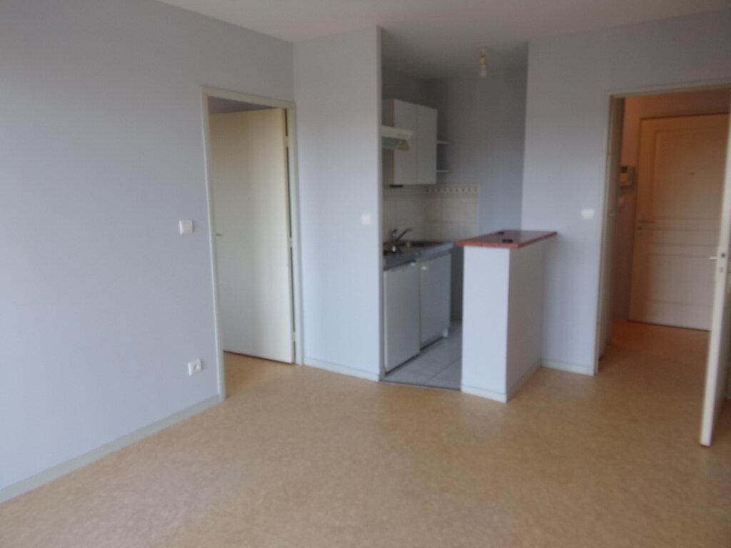 Appartement à louer 2 34.1m2 à Périgueux vignette-2