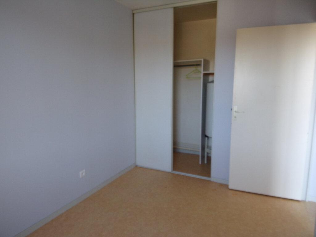 Appartement à louer 2 34.1m2 à Périgueux vignette-3
