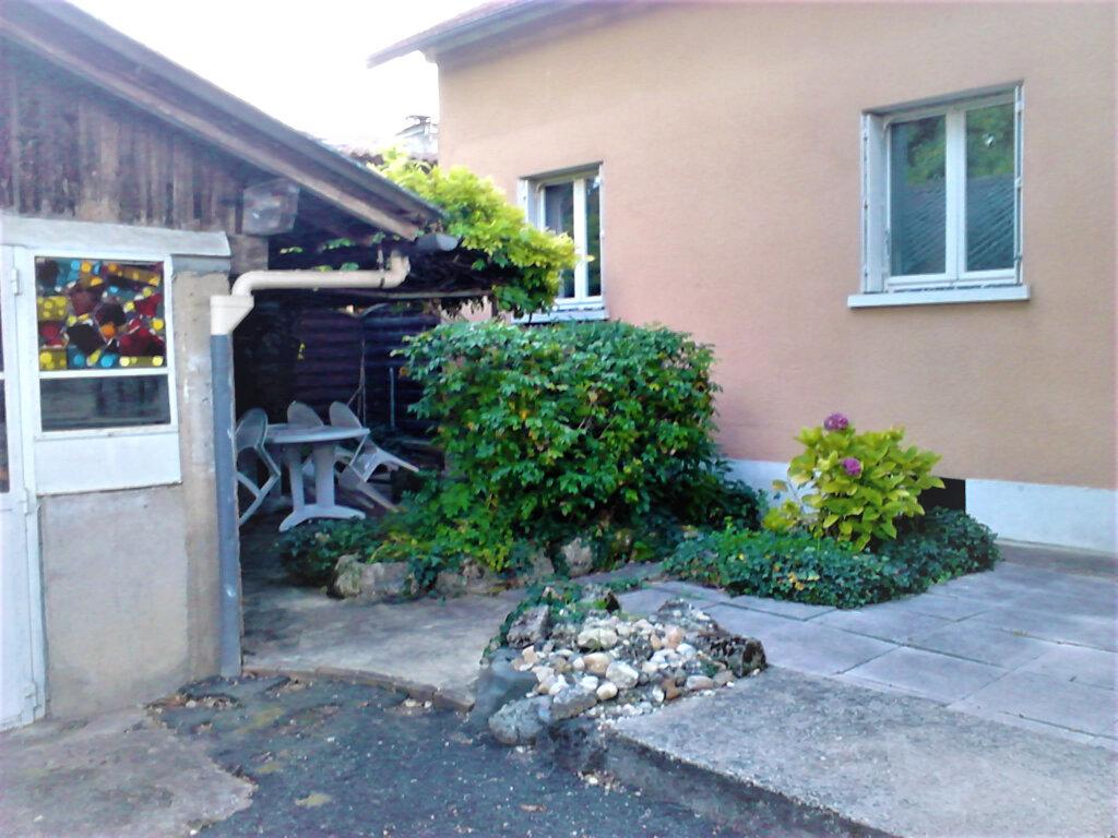 Maison à vendre 4 100m2 à Saint-Léon-sur-l'Isle vignette-1
