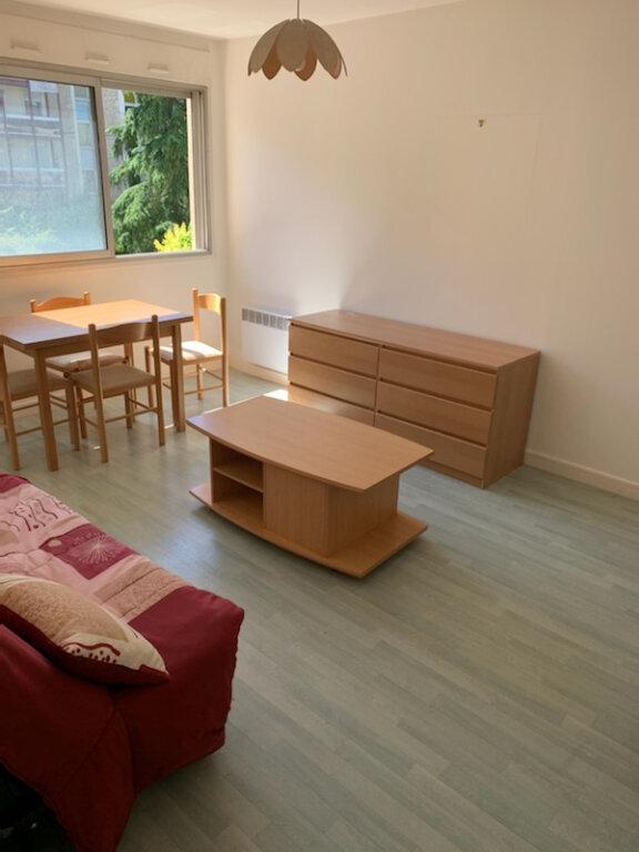 Appartement à louer 1 28m2 à Périgueux vignette-2