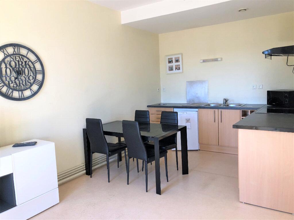 Appartement à vendre 2 40m2 à Périgueux vignette-2