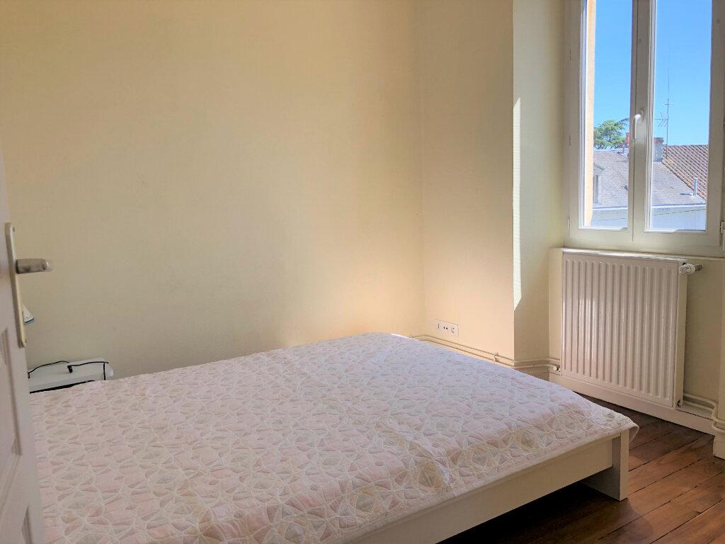 Appartement à vendre 2 40m2 à Périgueux vignette-4