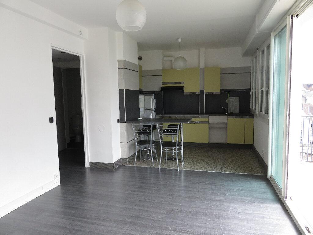 Appartement à louer 2 36m2 à Pau vignette-2
