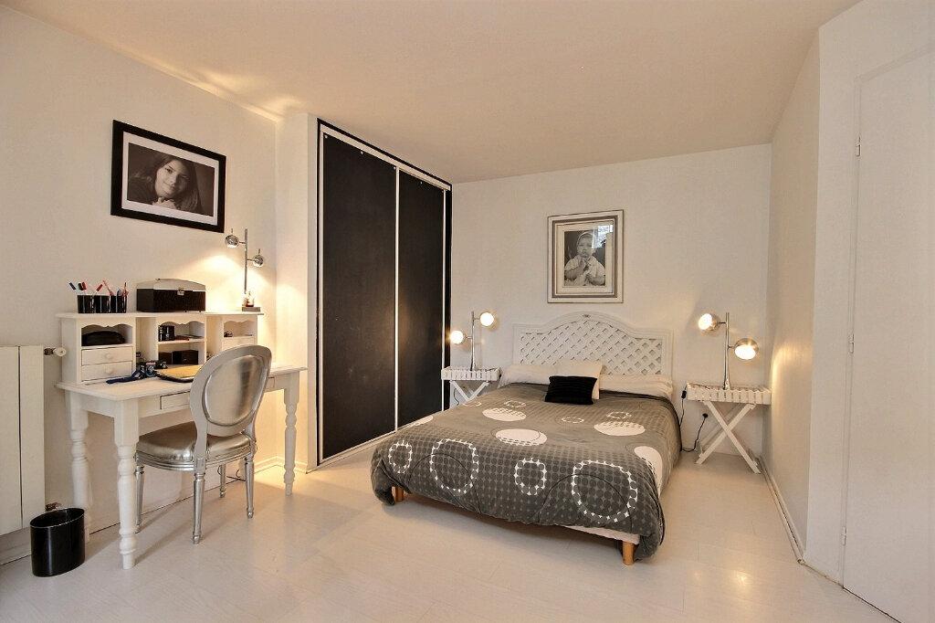 Appartement à louer 4 133m2 à Pau vignette-3