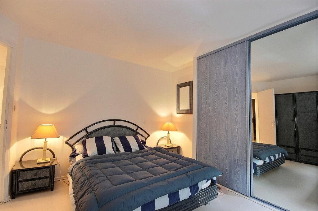 Appartement à louer 4 133m2 à Pau vignette-4