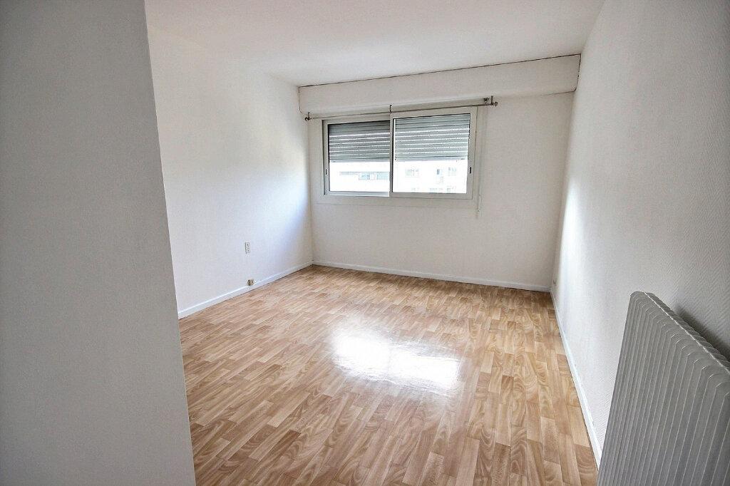 Appartement à louer 4 94m2 à Pau vignette-4