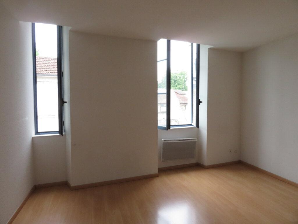 Appartement à louer 2 31m2 à Pau vignette-1