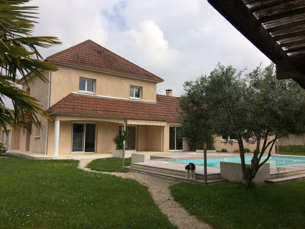 Maison à vendre 8 184m2 à Soumoulou vignette-1
