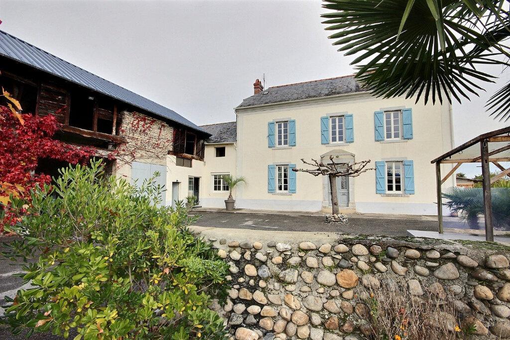 Maison à vendre 5 151m2 à Bours vignette-3