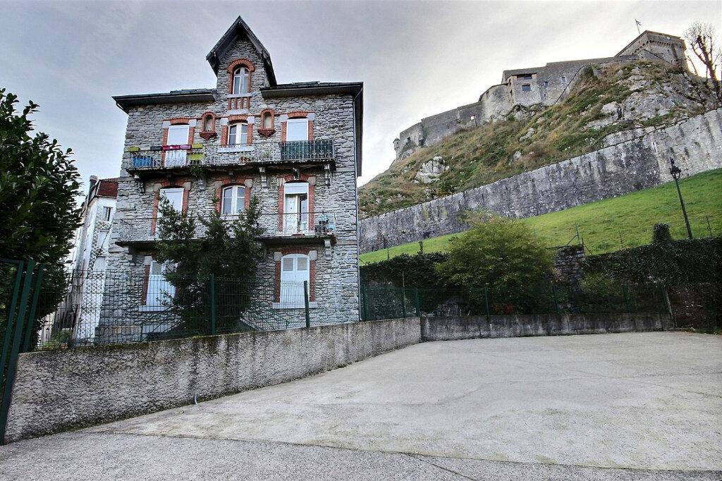 Immeuble à vendre 0 212m2 à Lourdes vignette-1