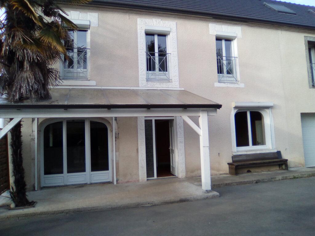 Maison à louer 4 147m2 à Mirepeix vignette-1