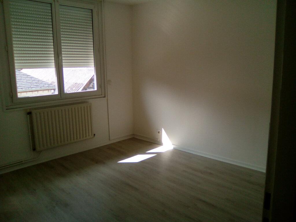 Appartement à louer 3 61.57m2 à Nay vignette-4
