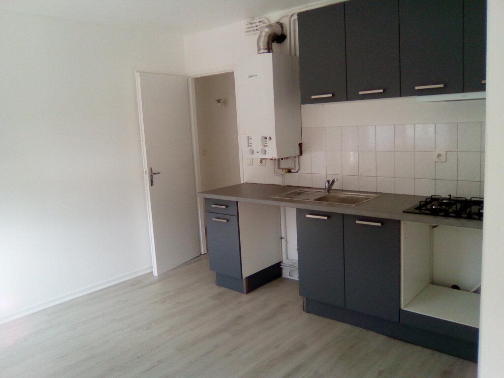 Appartement à louer 3 61.57m2 à Nay vignette-5