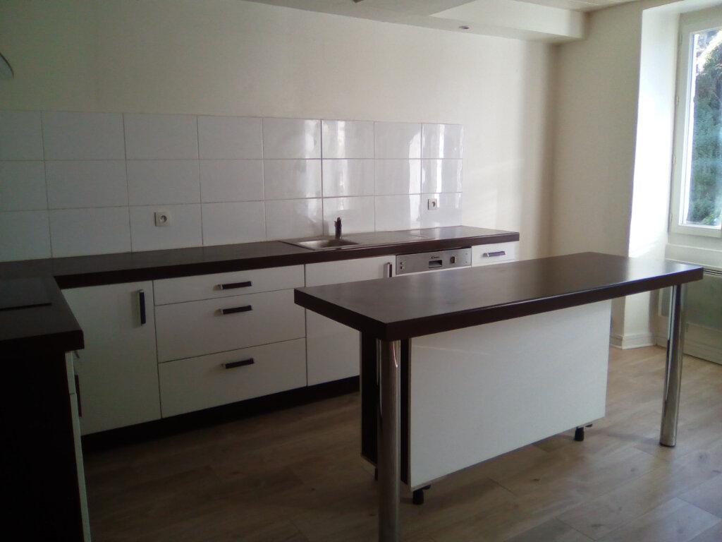Appartement à louer 3 55m2 à Nay vignette-3