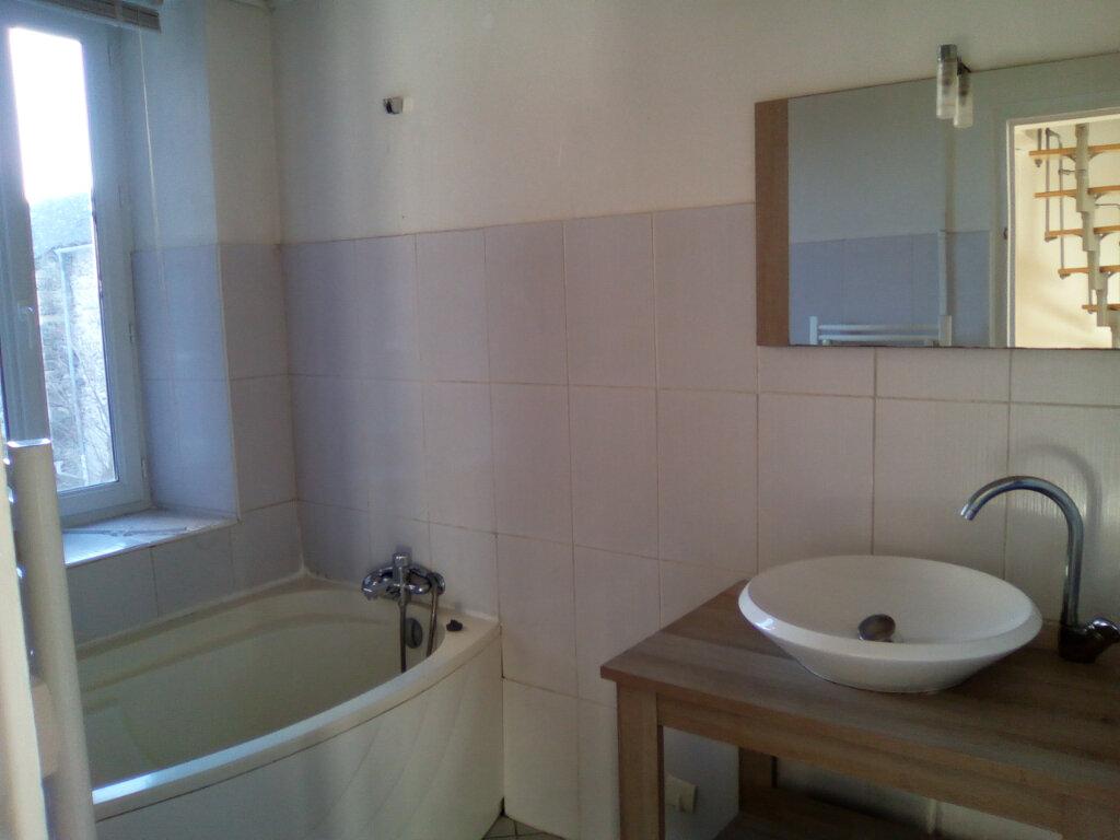 Appartement à louer 3 55m2 à Nay vignette-4