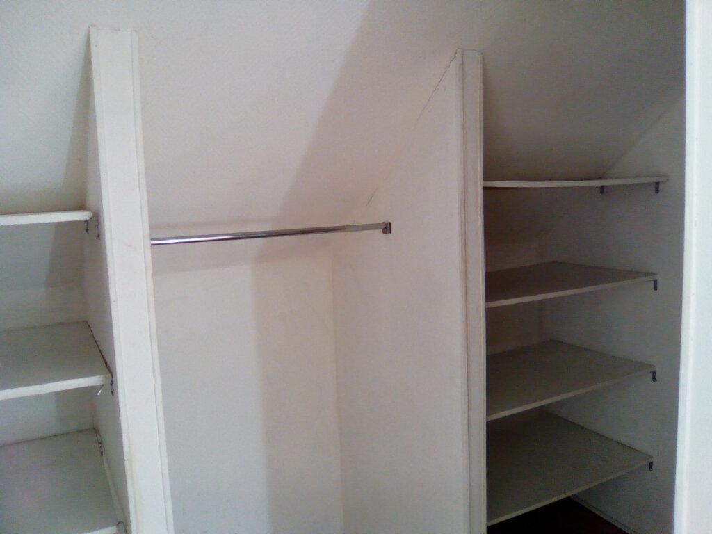 Appartement à louer 3 55m2 à Nay vignette-7