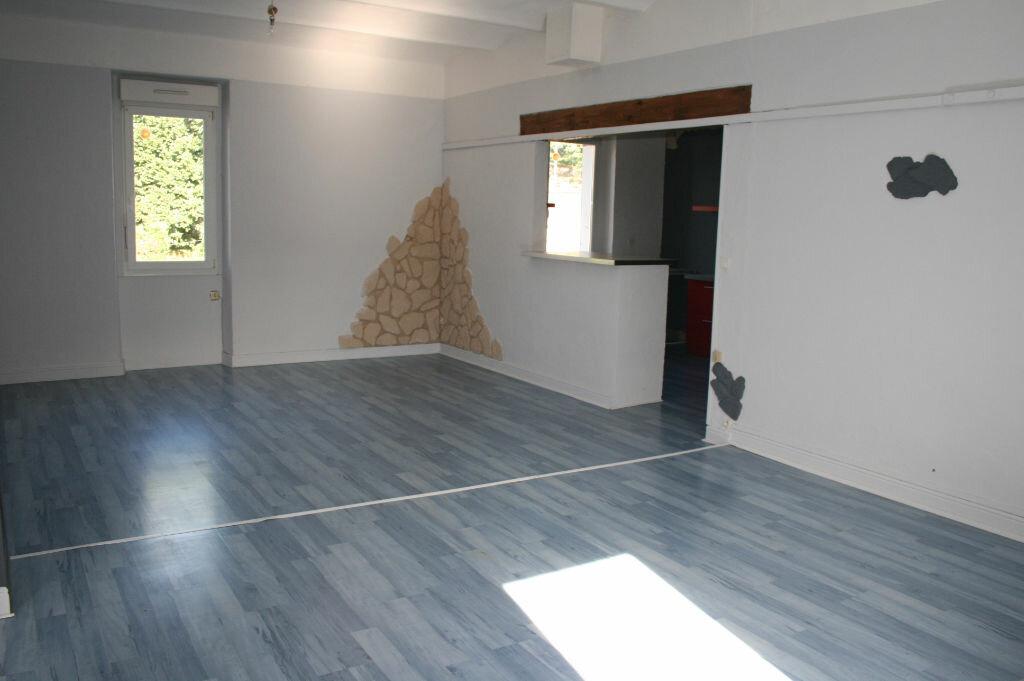 Appartement à vendre 4 123m2 à Gagnières vignette-2