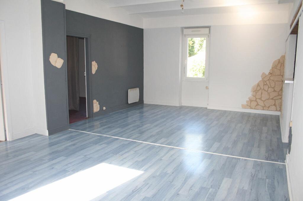 Appartement à vendre 4 123m2 à Gagnières vignette-3
