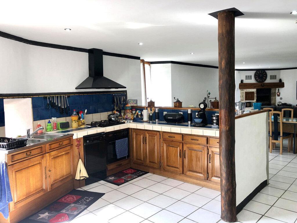 Maison à vendre 4 182m2 à Largentière vignette-5