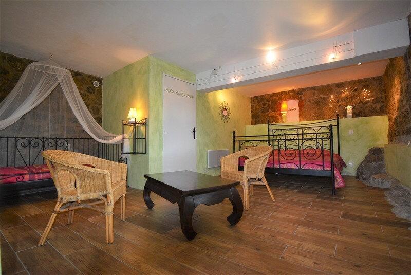 Maison à vendre 18 320m2 à Saint-Alban-Auriolles vignette-6