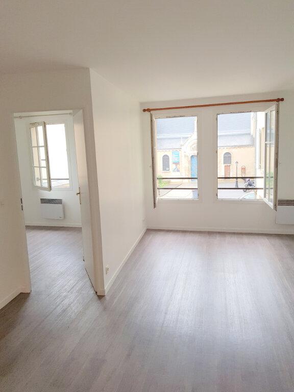 Appartement à louer 2 47.61m2 à Châtenay-Malabry vignette-1
