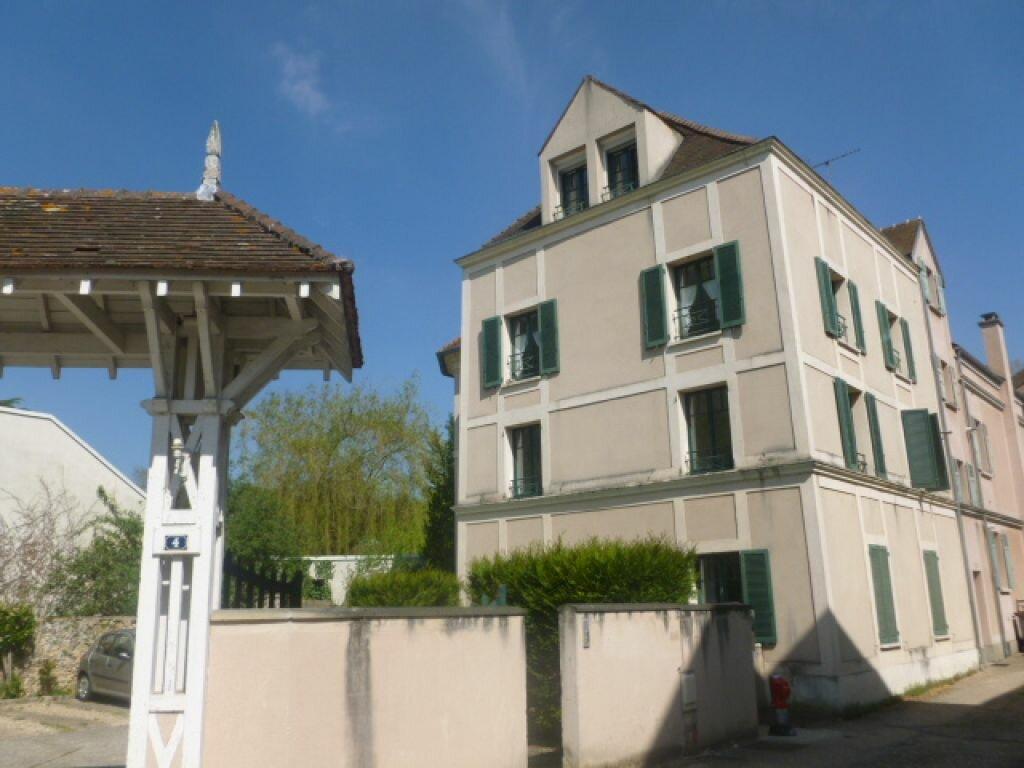 Appartement à louer 1 21.8m2 à Gif-sur-Yvette vignette-1