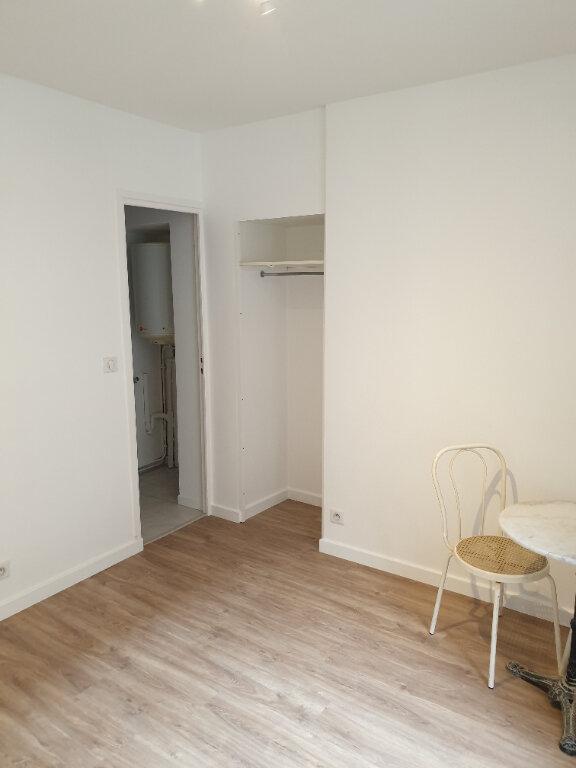 Appartement à louer 1 21.8m2 à Gif-sur-Yvette vignette-4