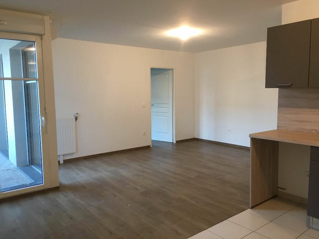 Appartement à louer 3 66.07m2 à Orsay vignette-2