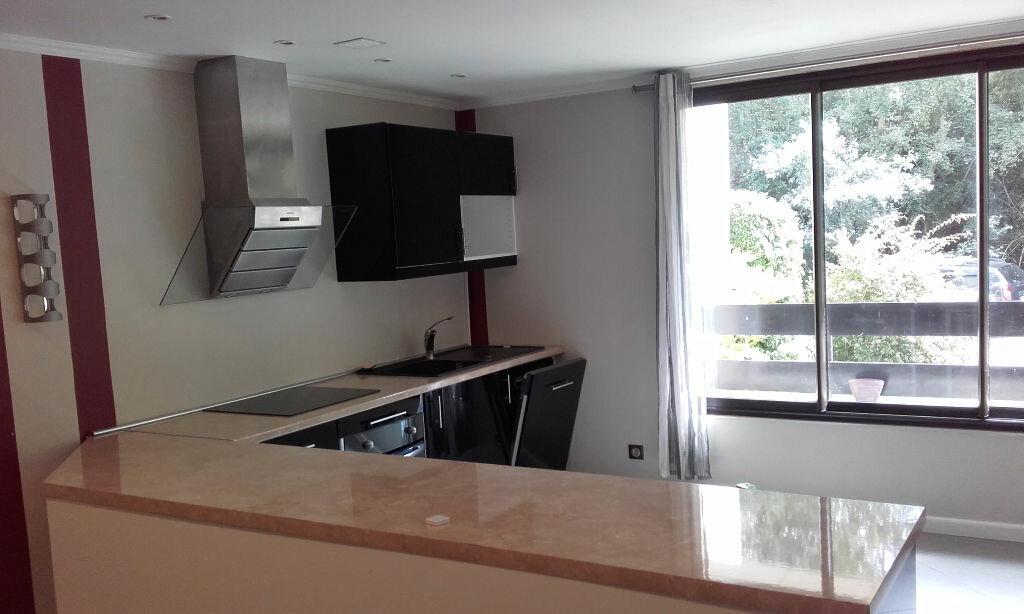 Appartement à louer 1 33m2 à Gif-sur-Yvette vignette-1