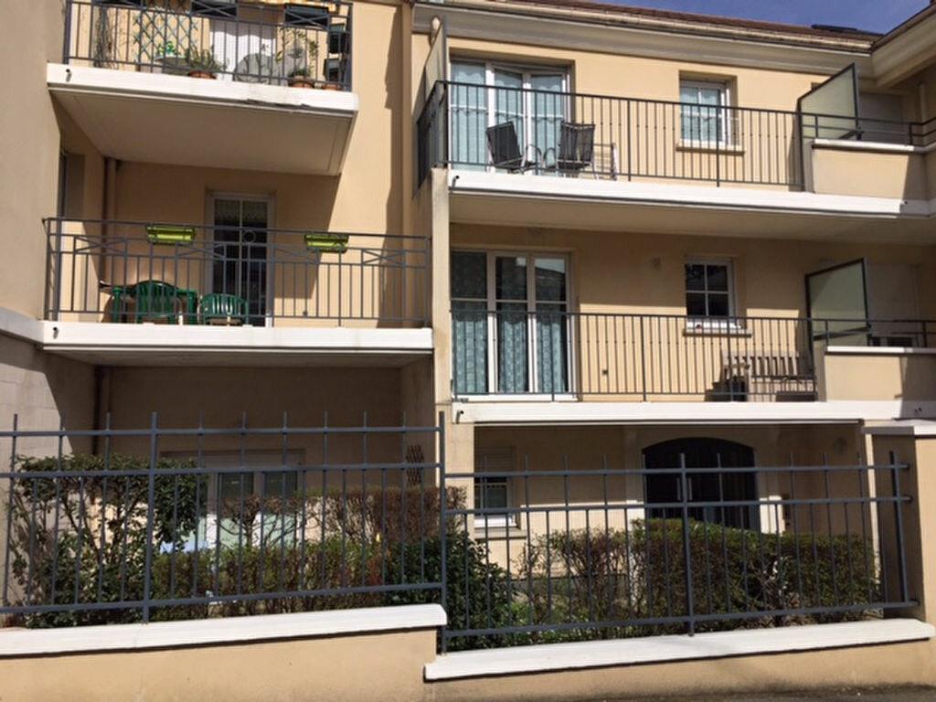 Appartement à louer 1 30.11m2 à Orsay vignette-1