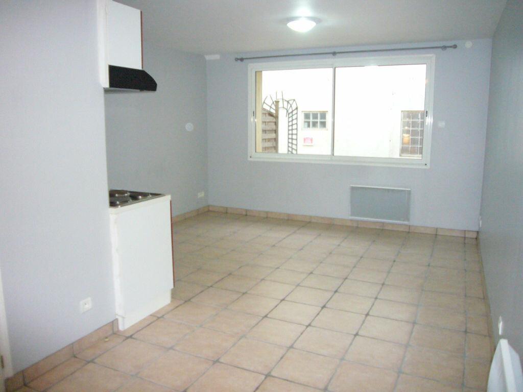 Appartement à louer 1 25.12m2 à Saclay vignette-1