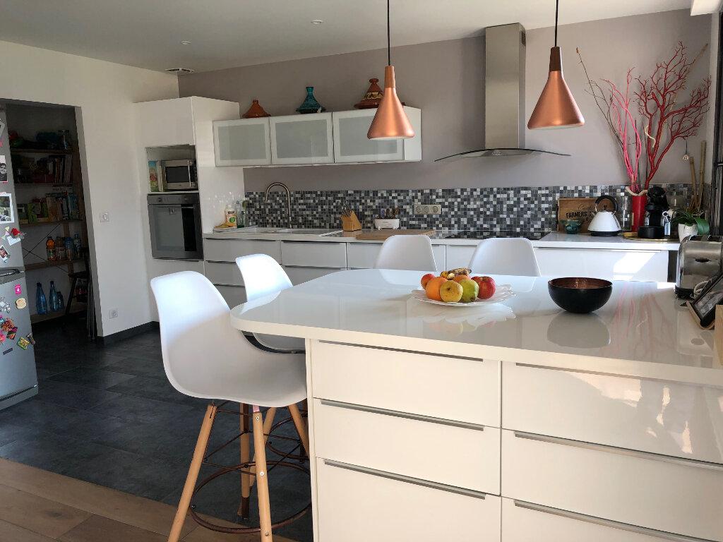 Maison à louer 7 166m2 à Gif-sur-Yvette vignette-5