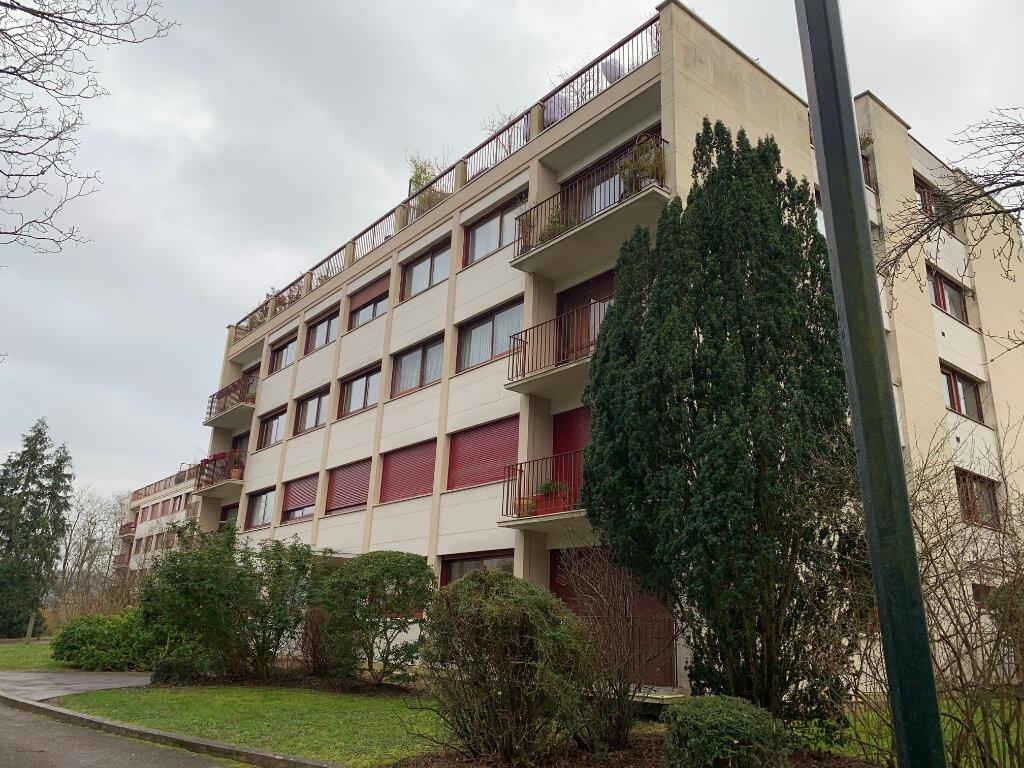 Appartement à louer 3 63m2 à Gif-sur-Yvette vignette-1